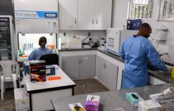 Laboratório Central do Estado é referência em análise de casos suspeitos de Covid-19