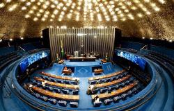Senadores de MT votam por aumento de salários de ministros do STF