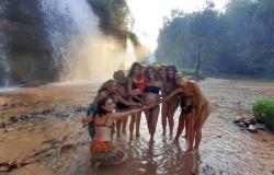 Amigas prepararam Chá de Benção para celebrar a chegada de bebê na Cachoeira da Fumaça