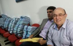 Riva entrega 13 fases de esquemas e compromete de empresários a autoridades