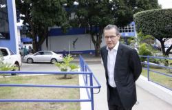 Silval diz ter deixado dívidas pagas e salários dos servidores em dia