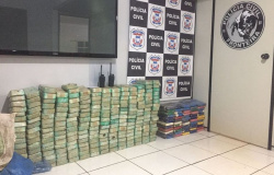 Traficantes são presos com mais de 200 kg de droga transportadas em balsa