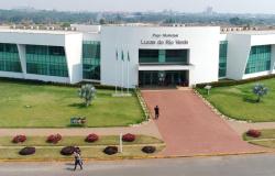 Prefeitura de Lucas do Rio Verde abre seletivo e oferece salários de até R$ 5,7 mil.
