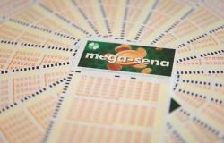Mega-Sena pode pagar R$ 52 milhões neste sábado.