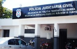 Homem comparece à delegacia para depor e tem mandado de prisão cumprido por tráfico de drogas em Tangará.