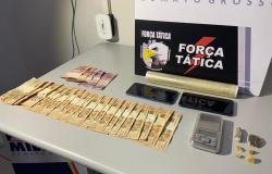 Traficante que usava cadeirante para distribuir drogas é preso pela Força Tática.