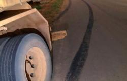 Ciclista é atingido por caminhão e morre em MT.