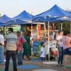 """hauahuahauhauhauahhauhauahuahuahauhuRetomada a feira do produtor na praça central """"Domingos Briante"""" em São José do Rio Claro."""