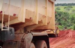 Secretaria de Infraestrutura realiza manutenção no trecho crítico da estrada vicinal Guavirá
