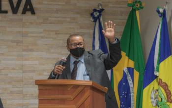 João Tapeceiro é empossado na Câmara de São José do Rio Claro