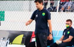 Auxiliar Iubel deve comandar o Cuiabá contra o Fluminense na 2ª rodada do Brasileirão
