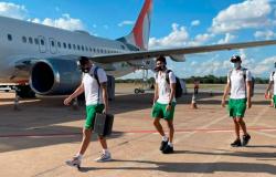 Seleção da Bolívia chega em Cuiabá e treina para encarar Argentina na Copa América
