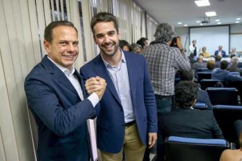 Os governadores de São Paulo e Rio grande do Sul, João Dória e Eduardo Leite, respectivamente.