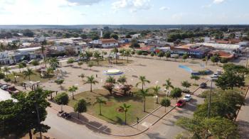 """Praça Central """"Domingos Briante"""" em São José do Rio Claro"""