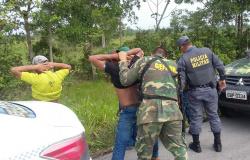 Dez são presos e 145 quilos de drogas são apreendidos em operação