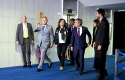 Mesa do Senado não aceita afastamento imediato de Renan Calheiros