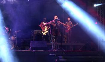Show com Fernandinho atraiu grande público, que promete voltar na noite de hoje, com Luan Santana