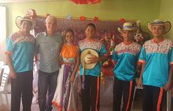 Apresentação do Grupo Voa Tuiuiú na festa de Santo Expedito do Bairro Itapajé