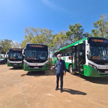 Prefeitura de Cuiabá entrega 144 novos ônibus para a população
