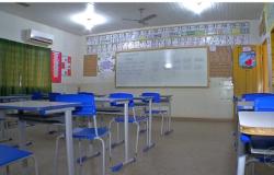 Professores entram em greve por reajuste de salário e aulas são suspensas em Nova Olímpia (MT)