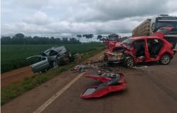 Acidente na BR-163 deixa PM e mais cinco pessoas gravemente feridas