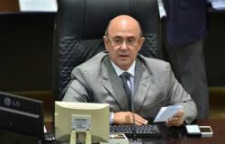 Ex-deputado que responde a mais de 100 ações é proibido pela Justiça de ir à ALMT na posse da filha reeleita deputada