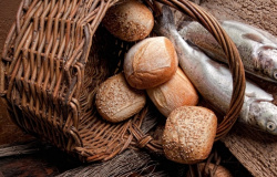 A primeira multiplicação dos pães Mc.6.30-34. Lc.9.10-17 Jo.6.1-14 Mt 14,13-21