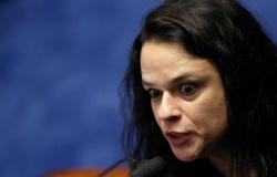 """""""Tirar dinheiro da Saúde e da Educação para colocar em partido é pedir Revolução Popular"""", diz Janaina"""