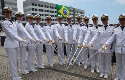 Marinha abre concurso para 900 vagas no país