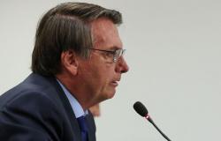 Bolsonaro inclui atividades religiosas em lista de serviços essenciais em meio ao coronavírus