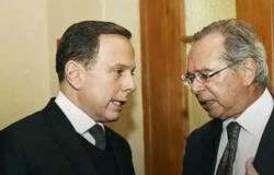 Após saída de Moro, Doria ligou para Guedes para convencê-lo a sair do governo