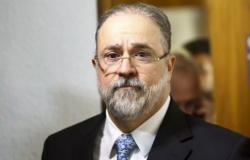 >Ninguém está acima da Constituição>, diz Aras a Moro