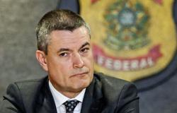 Em depoimento, Valeixo afirma que Bolsonaro nunca solicitou informações sobre investigações
