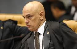 TSE suspende uma das ações que pede cassação de Bolsonaro