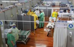 Sem vagas, 65 pacientes aguardam por leitos de UTI no Estado