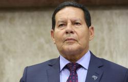 Gilmar Mendes 'ultrapassou limite', diz Mourão