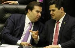 Pacote de Guedes para estimular quase R$ 700 bi na economia está travado por Maia e Alcolumbre