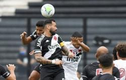 São Paulo marca de pênalti no fim, mas Vasco vence por 2 a 1