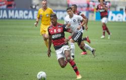 Com gols nos acréscimos, Flamengo e Botafogo empatam por 1 a 1 no Maracanã