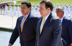 Alcolumbre e Maia insistem em manipular Constituição para se reelegerem