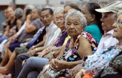 Vacina chinesa da Sinovac para Covid-19 não é eficiente em idosos