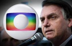 """Bolsonaro debocha da Rede Globo: """"A fake news estava tão escandalosa que resolveram se desculpar"""""""