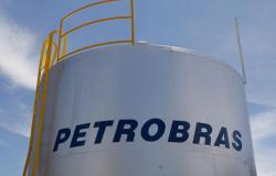 Preço do diesel em refinarias da Petrobras cai 7% e da gasolina 5%