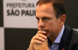 Deputados protocolam novo pedido de impeachment de Doria por fraudes na Saúde de SP