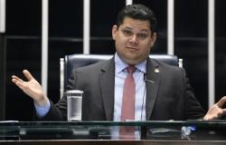 Repúdio de 98,5% faz Senado apagar enquete sobre reeleição de Alcolumbre