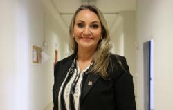 Assembleia de Santa Catarina aprova impeachment contra vice Daniela Reinehr