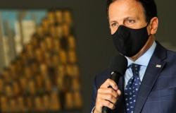 Toda a população de SP será vacinada até fevereiro de 2021, afirma Doria
