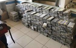 PF apreende mais de 1,3 tonelada de cocaína após perseguições