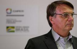 Bolsonaro diz que Pazuello fica e decisão sobre vacina chinesa é definitiva