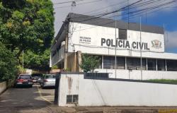 Mulher estuprada por 12 homens revela à polícia que tem HIV